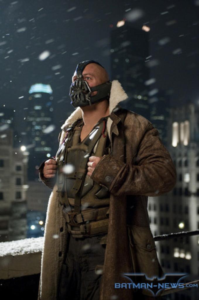 Foto ufficiale da Batman-News.com - Bane (Tom Hardy)