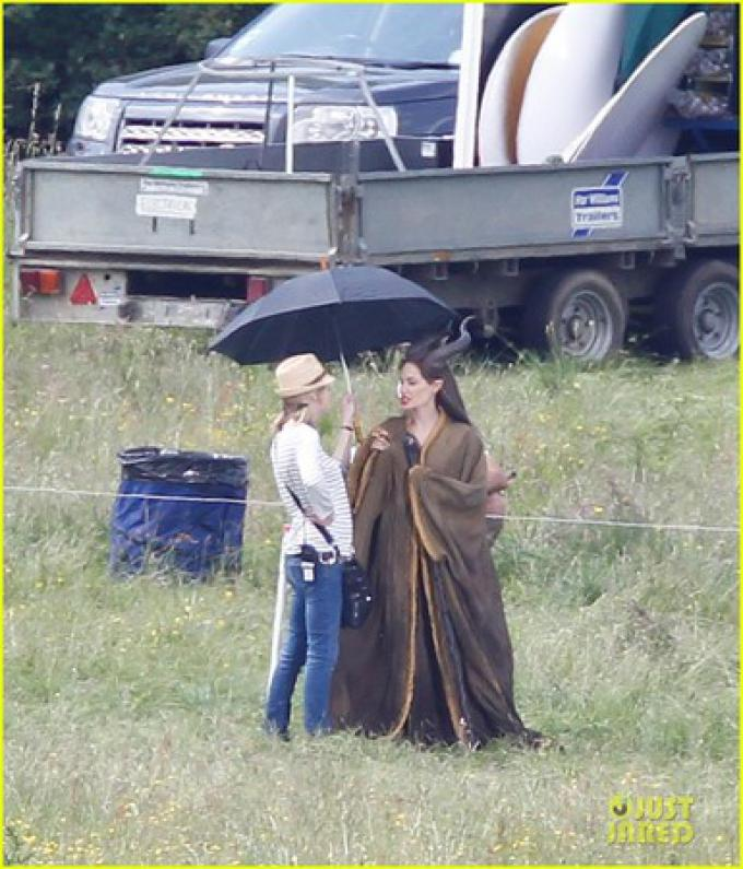 Angelina Jolie sul set di Maleficent