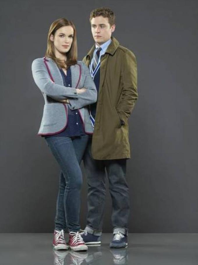 Elizabeth Henstridge e Iain De Caestecker