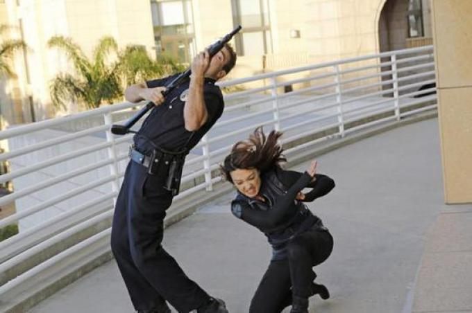 L'Agente Melinda May (Ming-Na Wen) in azione