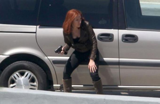 Scarlett Johansson sul set di Captain America: The Winter Soldier