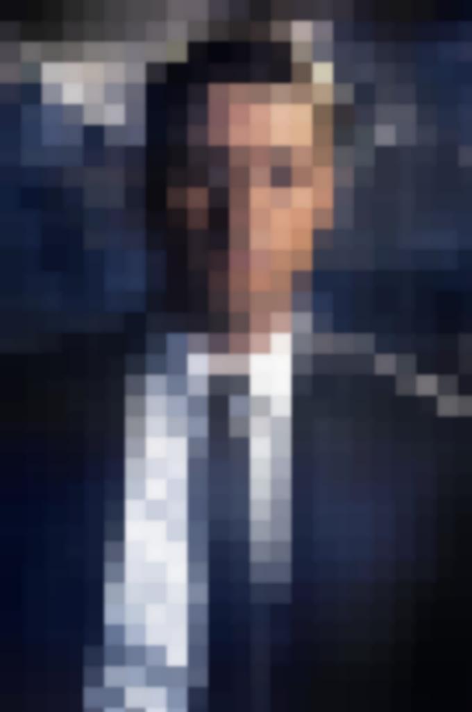 Immagine ufficiale di Ben McKenzie nei panni di James Gordon