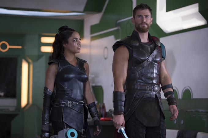 Thor: Ragnarok - Tessa Thompson e Chris Hemsworth