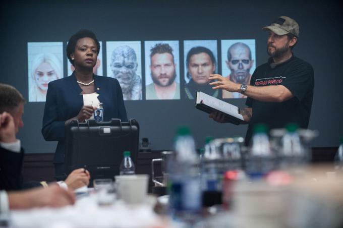 Amanda Waller (Viola Davis) e il regista David Ayer