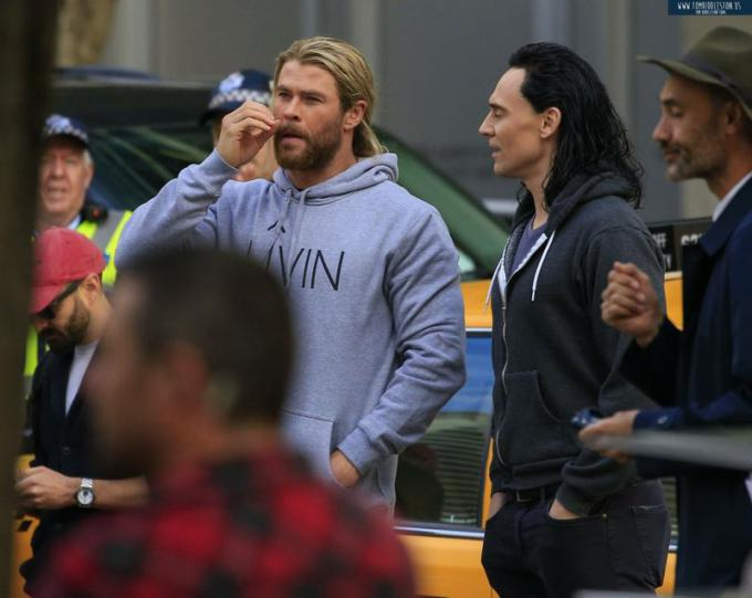 Tom Hiddleston e Chris Hemsworth