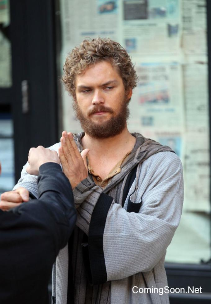 Finn Jones è Iron Fist