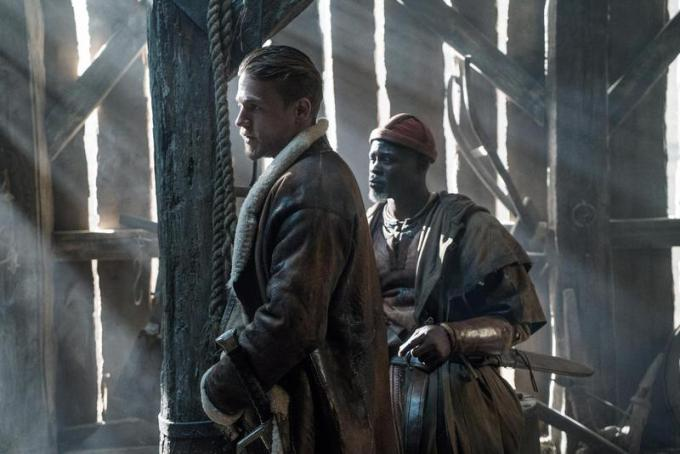 Charlie Hunnam e Djimon Hounsou -  Photo Credit: Daniel Smith