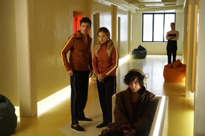 Dan Stevens (David Haller), Aubrey Plaza (Lenny Busker) e Rachel Keller (Syd Barrett) sul set di Legion