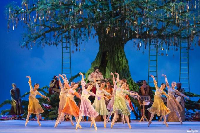 Artists of The Royal Ballet in Christopher Wheeldon's The Winter's Tale ∏ROHJohan Persson, 2014