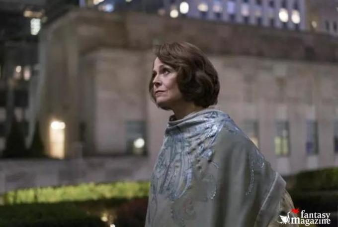 Sigourney Weaver è Alexandra Reid