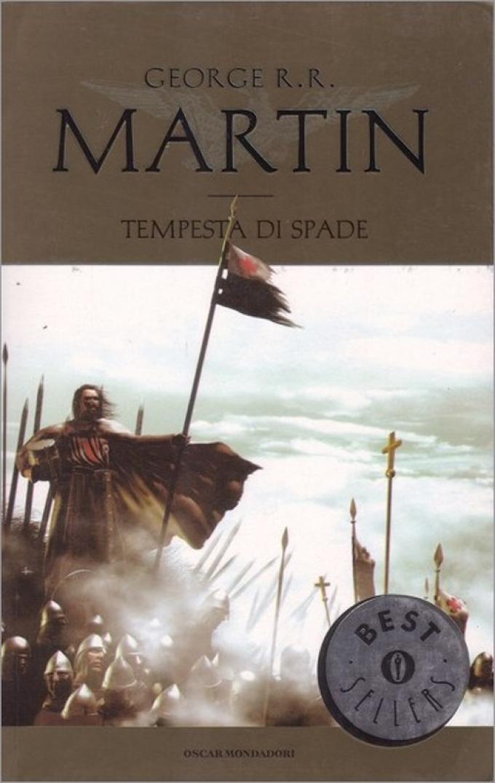 La copertina di Tempesta di spade nell'edizione economica Mondadori.