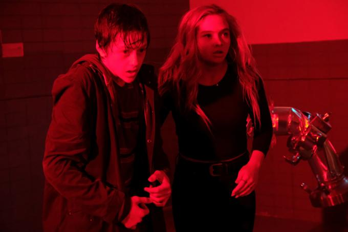 Percy Hynes White (Andy Strucker) e Natalie Alyn Lind (Lauren Strucker) In The Gifted
