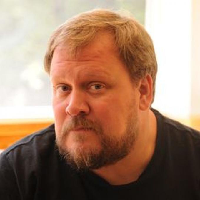Adam Hughes.�http://www.lccaf.com/guests/a-z/adam_hughes/
