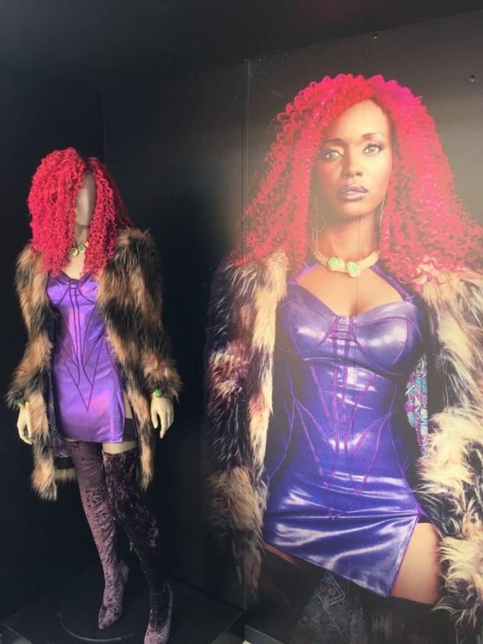 Il costume di Starfire, dalla San Diego Comic-Con 2018. (Foto da Comicbookmovie.com)