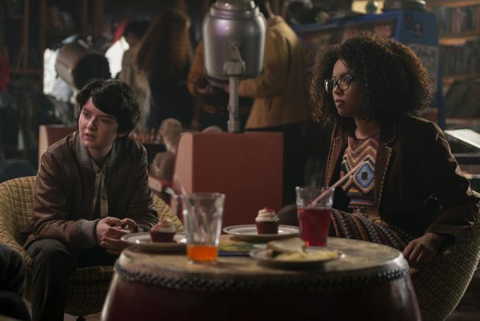 Jaz Sinclair (Rosalind Walker) e Lachlan Watson (Susie Putman) sono le amiche di Sabrina