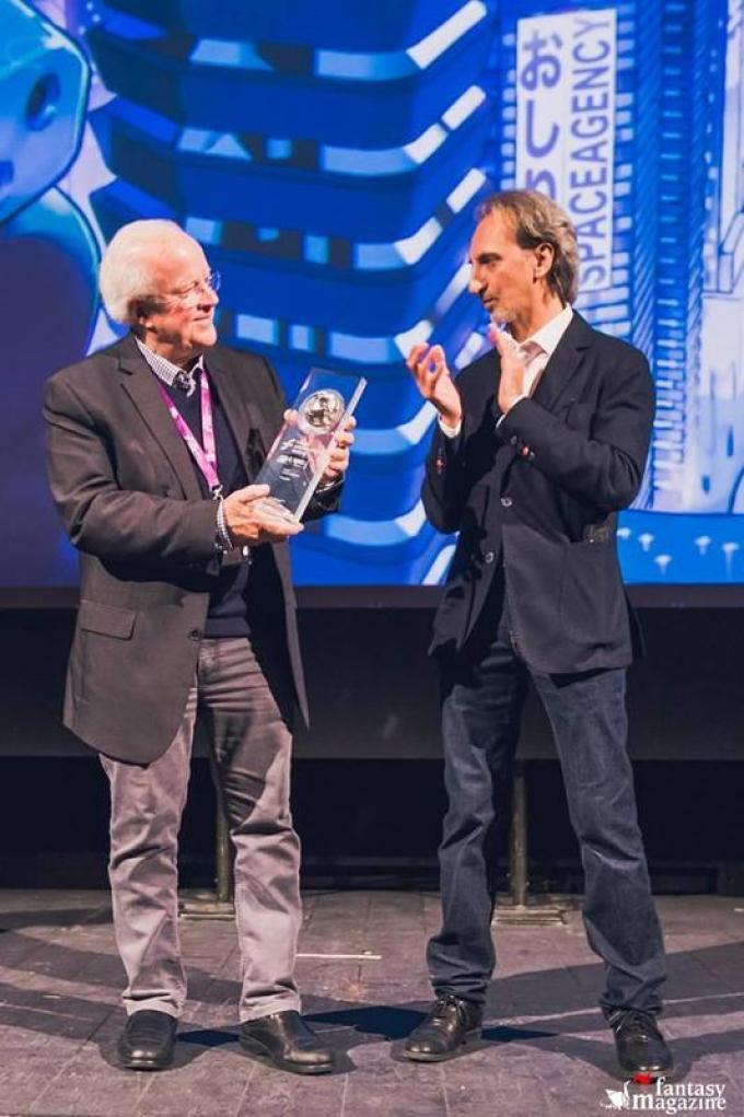 Douglas Trumbull (sinistra) riceve il Premio Urania alla Carriera (foto cortesia Trieste Science Plus Fiction)