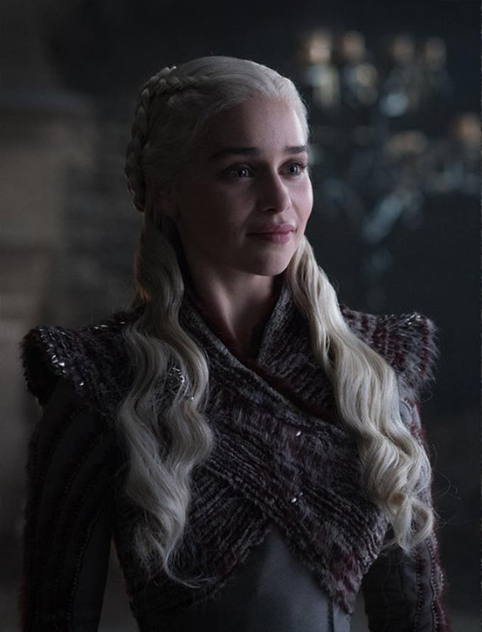 Emilia Clarke è Daenerys Targaryen – Foto: Helen Sloan/HBO