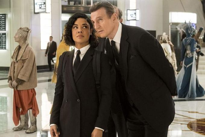 Tessa Thompson e Liam Neeson in Men in Black: International