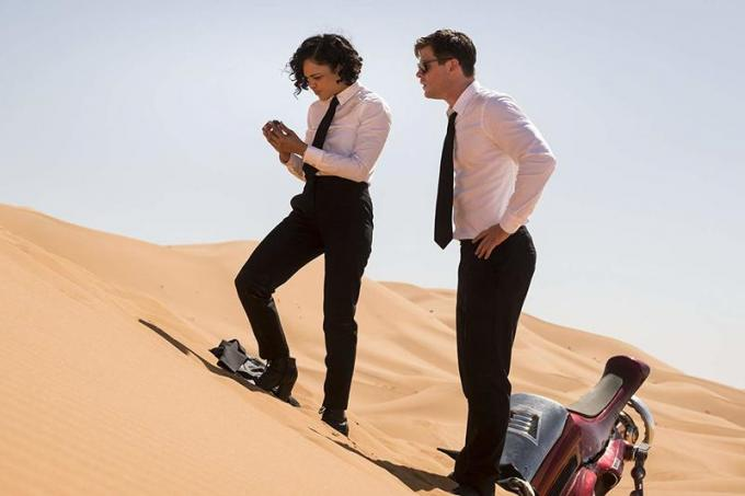 Chris Hemsworth e Tessa Thompson in Men in Black: International