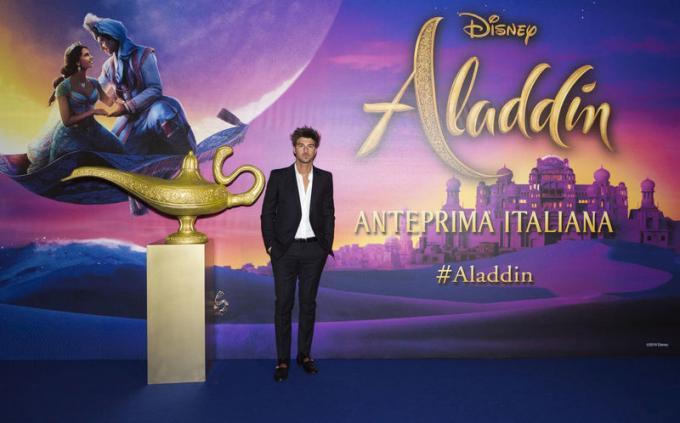 Andrea Damante all'anteprima di Aladdin a Milano.
