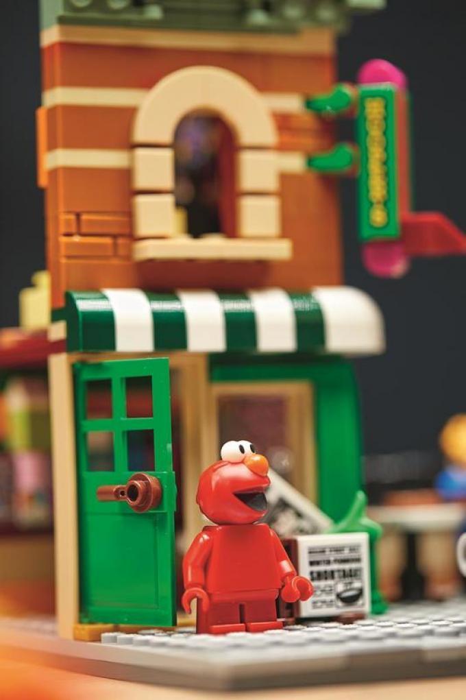 124 Sesame Street LEGO Ideas