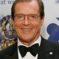 Addio a Sir Roger Moore